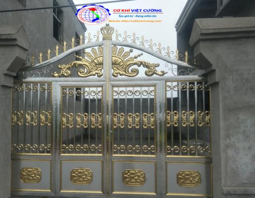 Cửa cổng inox màu vai đầu sư tử - Mẫu 5